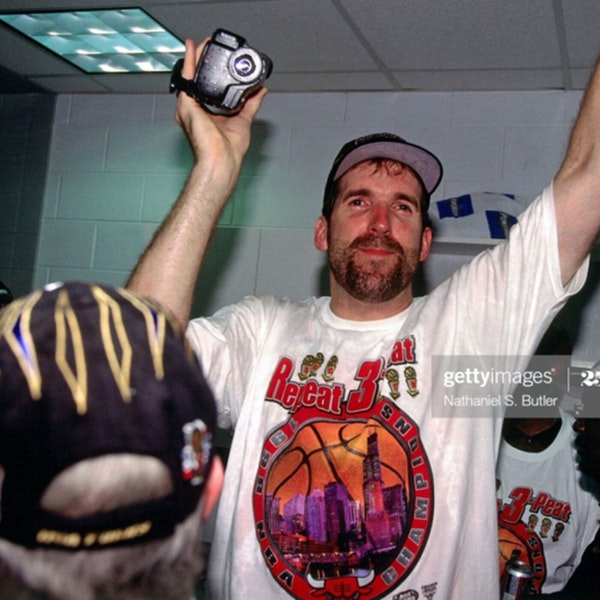 The Last Dance - Extras 2 (Guest: Bill Wennington - three-time NBA Champion) - AIR104 Image